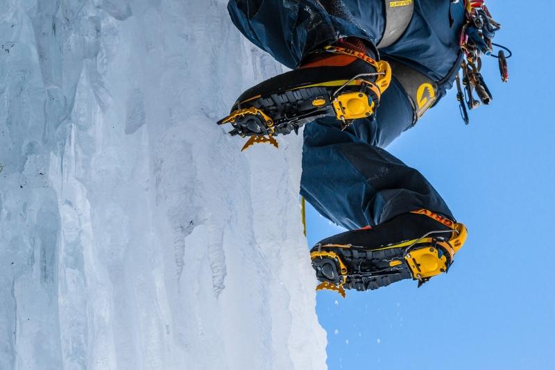 Horolezecké vybavení - Grivel G22 Plus